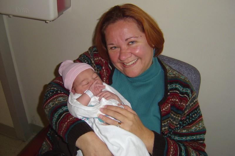 Nana_and_ella_1_day_old